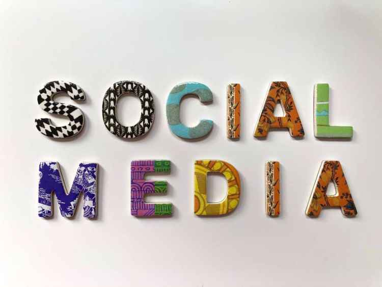 Sfaturi pentru a-ti gasi un job prin Social Media